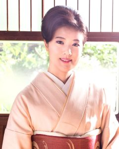 出光仁美 – Idemitsu Hitomi